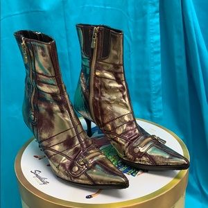 Donald J. Plunger Gold and Burgundy Leather Boots